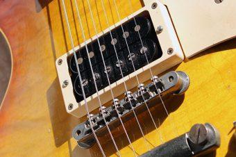 伝説の秘宝'PAF' : ハムバッカーの発明とギブソンギター