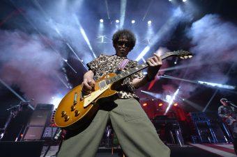 ギブソンの名器を使いこなす、奥田民生氏のギタリストとしての側面