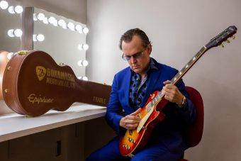 エピフォンより、ブルーズ・ロック界の巨匠、ジョー・ボナマサの7本目となるシグニチャーモデルがリリース!