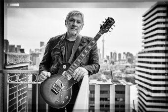 """エピフォンから、カナダの伝説のロックバンド""""ラッシュ""""のギタリスト  アレックス・ライフソンの新作シグネチャー・モデル 『Alex Lifeson Les Paul Standard Axcess』がリリース"""