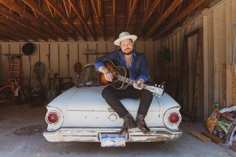ギブソンから、アメリカのシンガー・ソングライター ナサニエル・レイトリフのシグネチャー・モデル 『ナサニエル・レイトリフ LG-2 ウェスタン』がリリース